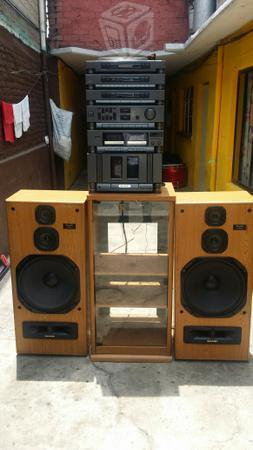 SHARP audio hecho u.s.a 15 pulg