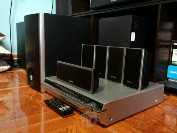 Home theater sony 5 DVDs