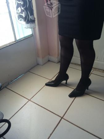 Vestido y zapatillas económico