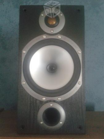 Par de bocinas Monitor Audio Bronze Br2