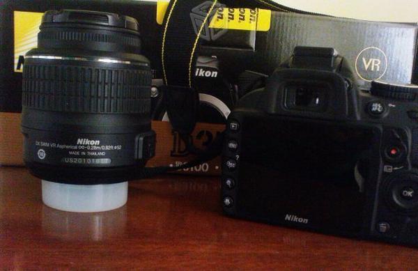 Camara Reflex Nikon D3100 como nueva
