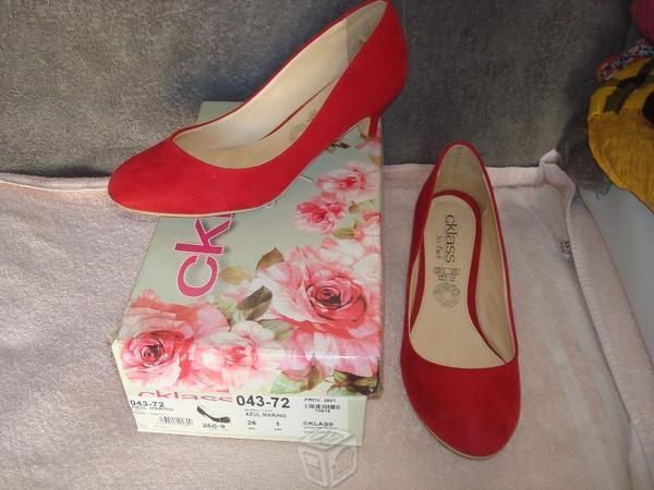 Hermosos zapatos cklass nuevos