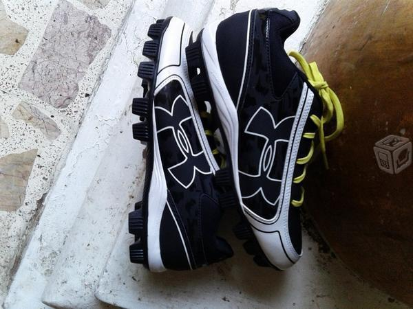 Zapatos de fut bol under armour