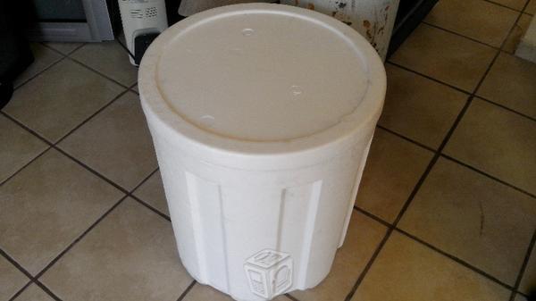 Hielera circular resistente tipo bonais