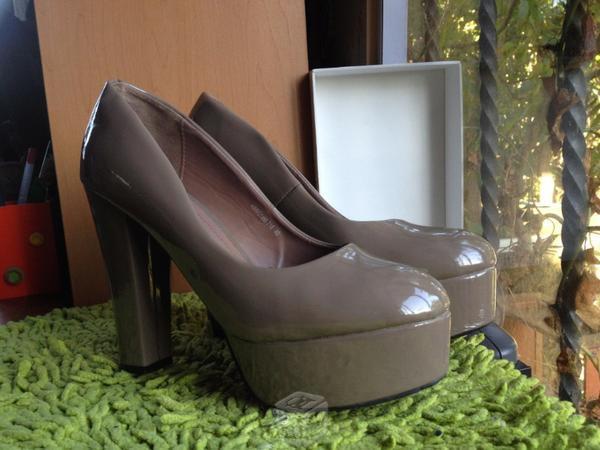 Zapatillas originales marca plato
