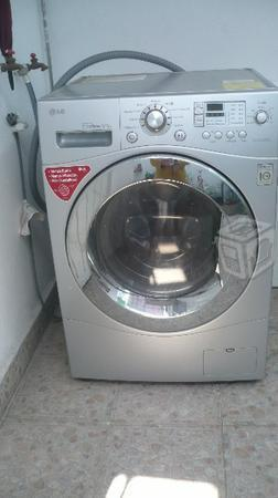 Lavasecadora LG 13Kg