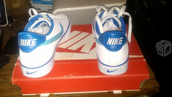 Tenis nike originales en su caja blancos con azul