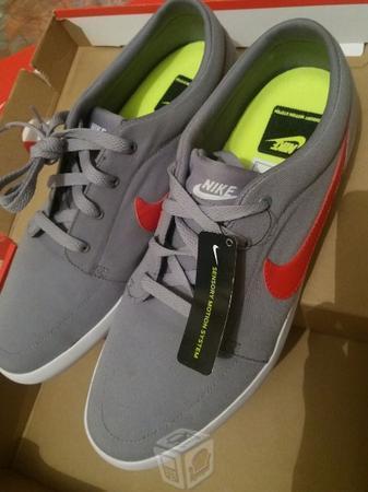 Tenis Nike Futslide TXT Nuevos Originales En Caja