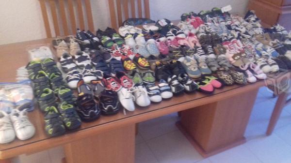 Zapatos de bebe seminuevos de marca