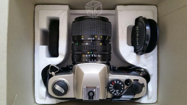 Camara Nikon Fm-10. (Nueva) Excelente Calidad
