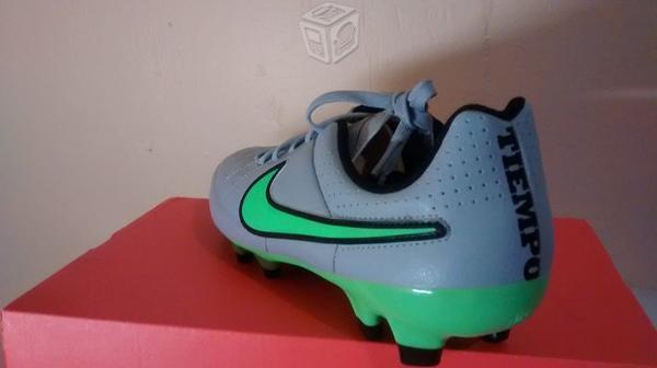 Zapatos Nuevos de futbol Nike Tiempo Genio