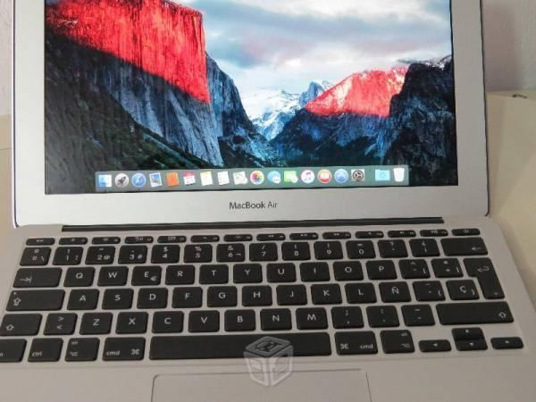Macbook Air 11 128 gb seminueva