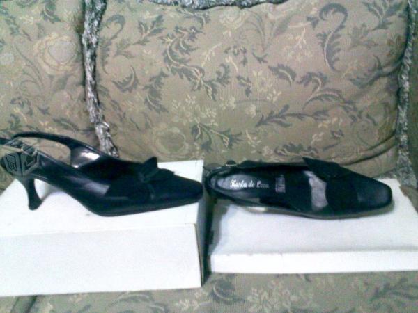 De piso y zapatillas