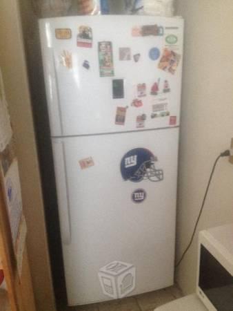 Refrigerador Samsung modelo RT43ENSW
