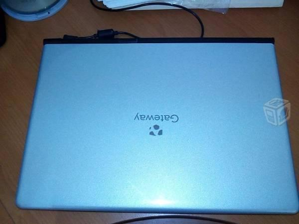 Laptop de 3 gb a 320