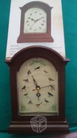 Reloj pajaritos