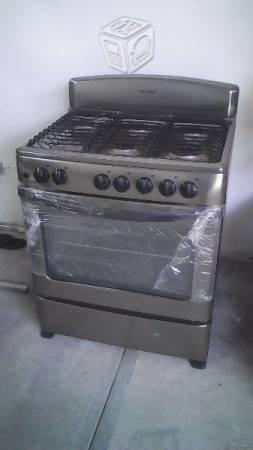Estufa Acros 6 quemadores nueva
