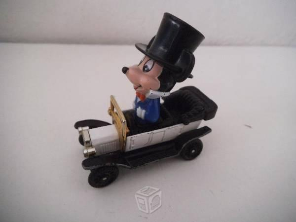Carro Mickey Mouse Ford Modelo T Walt Disney Tomy