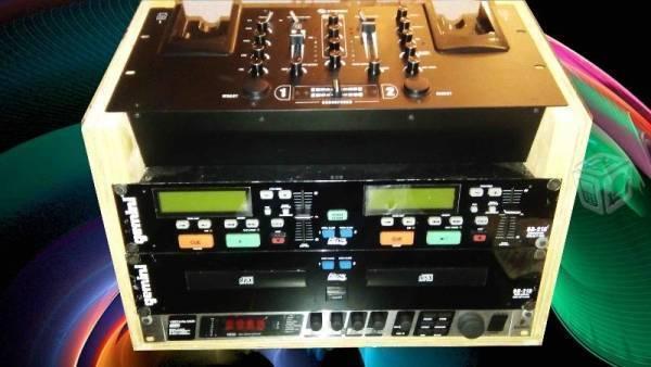 Consola mezcladora de 2 canales MIX-220 Steren