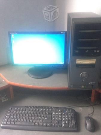 Computadora completa 2gb ram